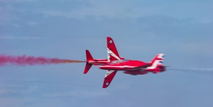Red Arrows High speed pass